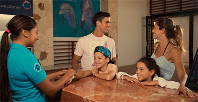 swim-with-dolplhins-in-mexico-family-tips.jpg